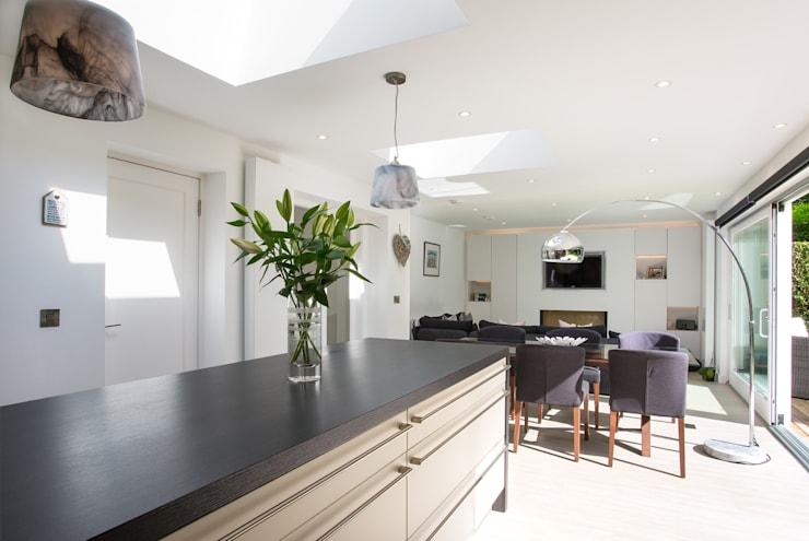 House extension: modern Kitchen by Urban Creatures Architects