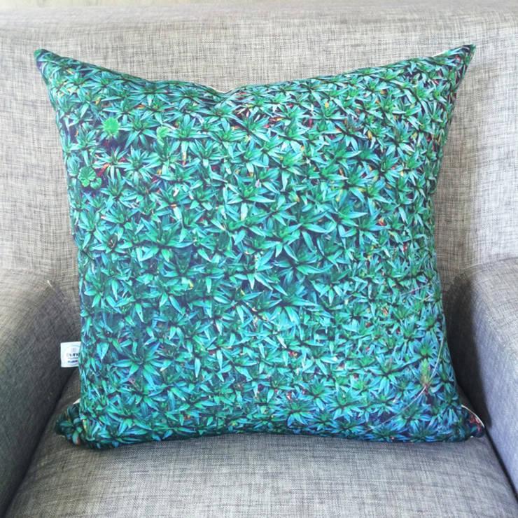 Cojín Decorativo Texturas -Alfombra Natural:  de estilo  por Divina Diseños Decoración, Moderno