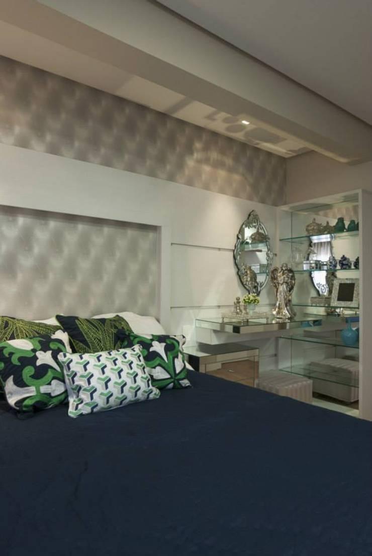 Dormitório Casal: Quartos  por Gabriela Angonese Arquitetura