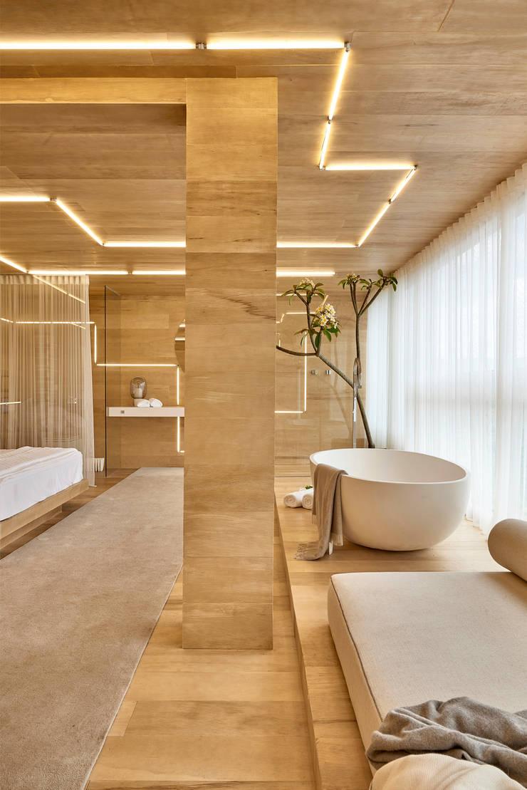 CASA COR MINAS 2014 | Quarto de Hotel: Hotéis  por Piacesi Arquitetos,