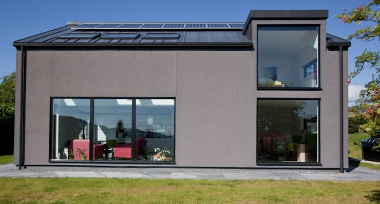 Eco House:  Houses by Urban Creatures Architects