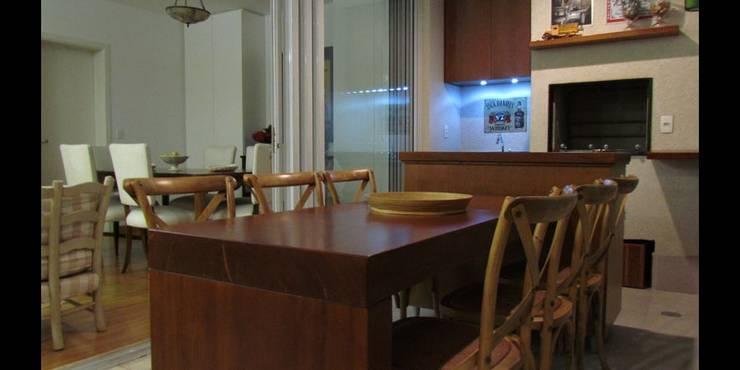 Apartamento 140m²: Salas de jantar  por Marianna Vetorazzo Haddad Arq+Interiores