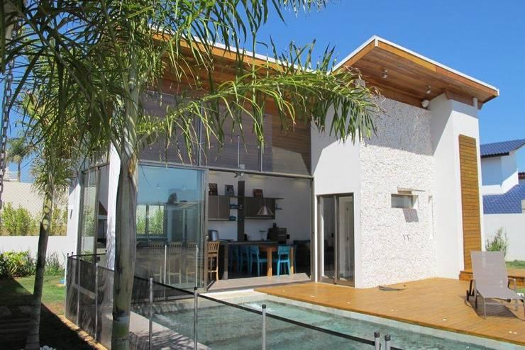 Área de Lazer: Piscinas  por Andrea Vasconcelos Arquitetura e Design