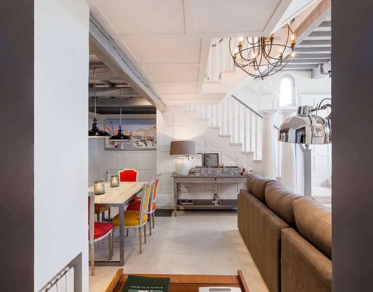 Projekty,  Korytarz, przedpokój zaprojektowane przez The Sibarist Property & Homes