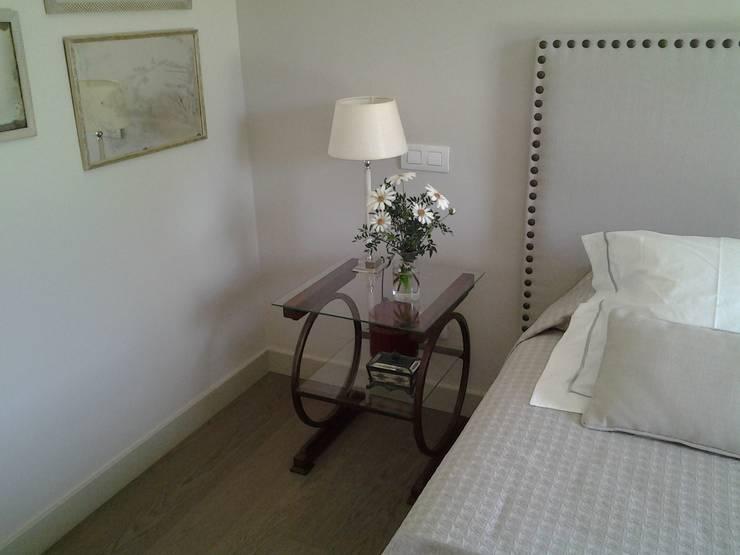 Dormitorios de estilo  por Tabolo