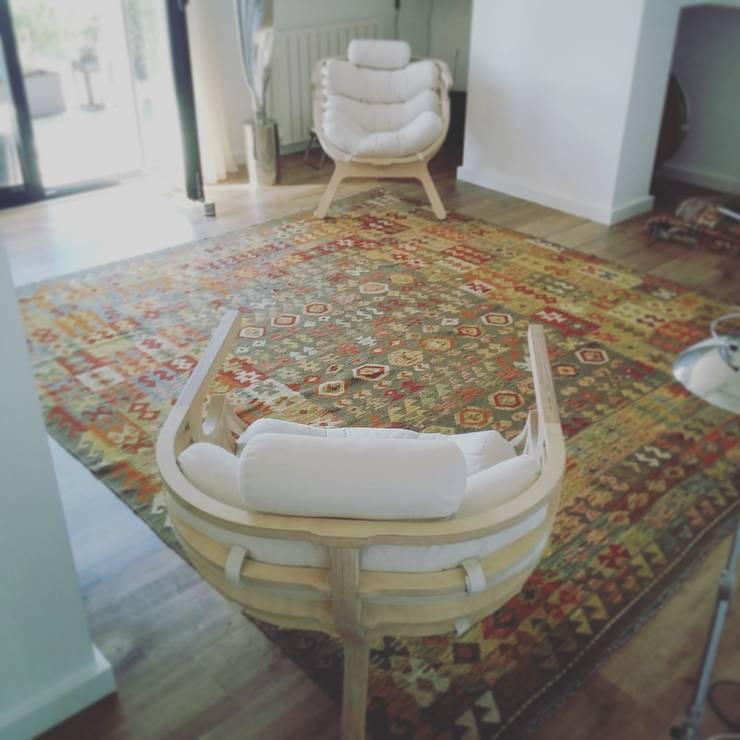 Interiores kilim: Sala de estar  por kilim.pt