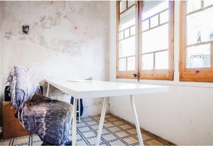 Piso en Barcelona: Comedores de estilo  de ab design