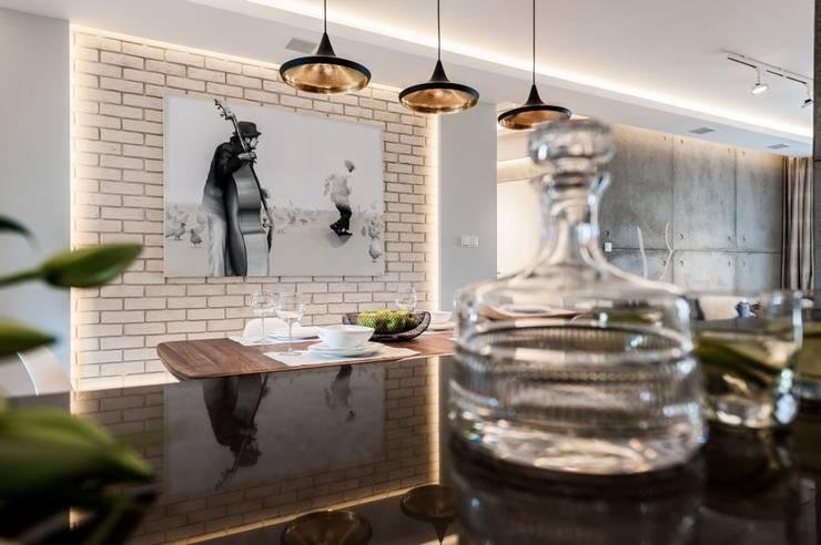 Mieszkanie w Gdańsku: styl , w kategorii Salon zaprojektowany przez Arte Dizain. Agnieszka Hajdas-Obajtek,Eklektyczny