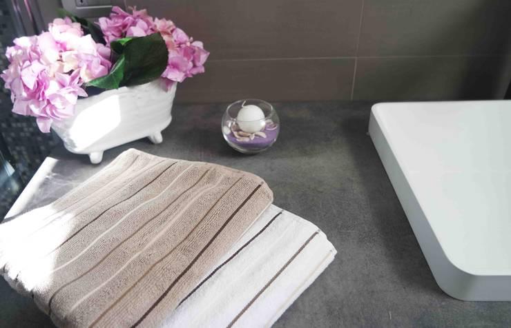 Salle de bains de style  par archielle