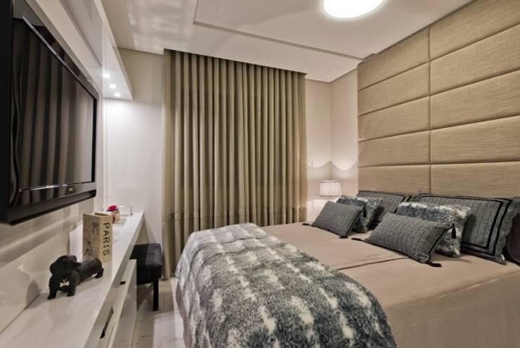 Ap Casal Jovem: Quartos  por Fabi Yoneoka Interior Design,Moderno