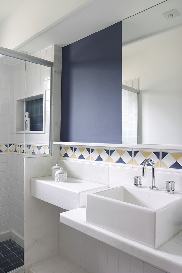 RESIDÊNCIA  AP: Banheiros  por a4 arquitetos