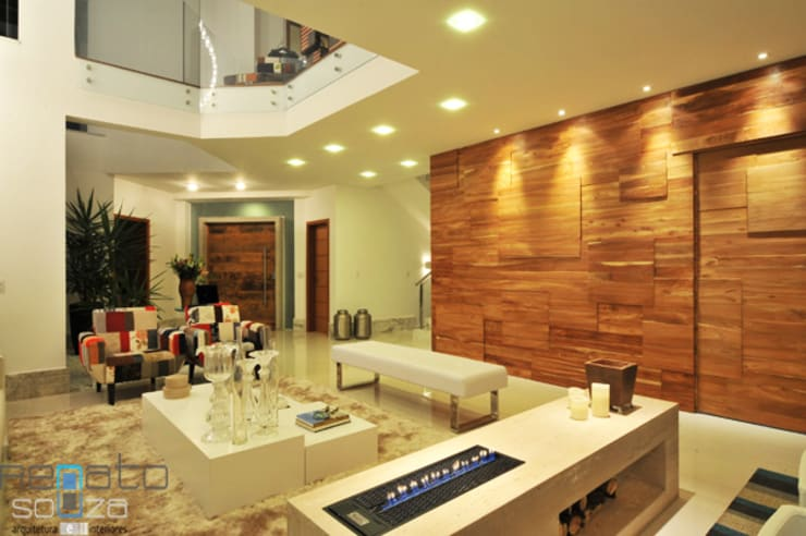 Residência C.M Salas de estar modernas por Renato Souza Arquitetura Moderno