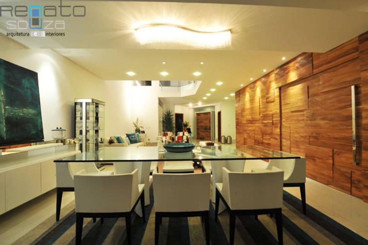 Residência C.M Salas de jantar modernas por Renato Souza Arquitetura Moderno