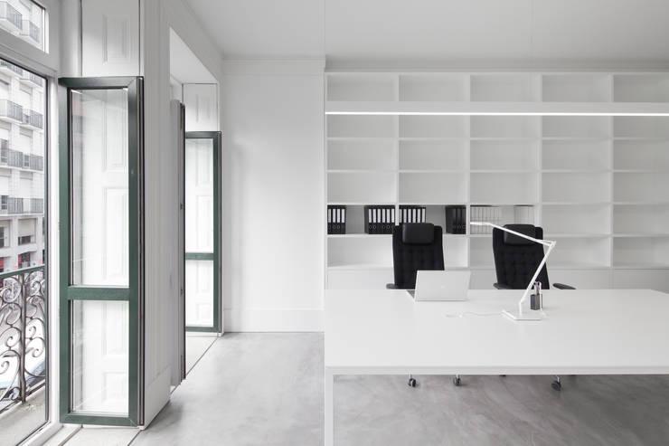 Atelier Z: Escritórios  por paulosantacruz.arquitetos