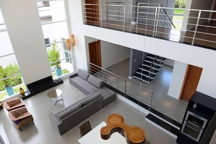 Projeto: Salas de estar modernas por alexandre chaguri arquitetura