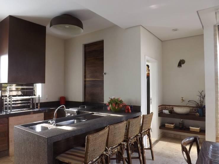 Espaços Gourmet: Cozinhas modernas por ARCHITECTARI ARQUITETOS