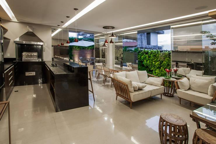 Projekty,  Salon zaprojektowane przez Heloisa Titan Arquitetura