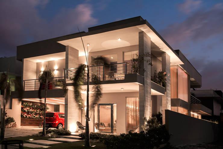Projeto: Casas  por Heloisa Titan Arquitetura