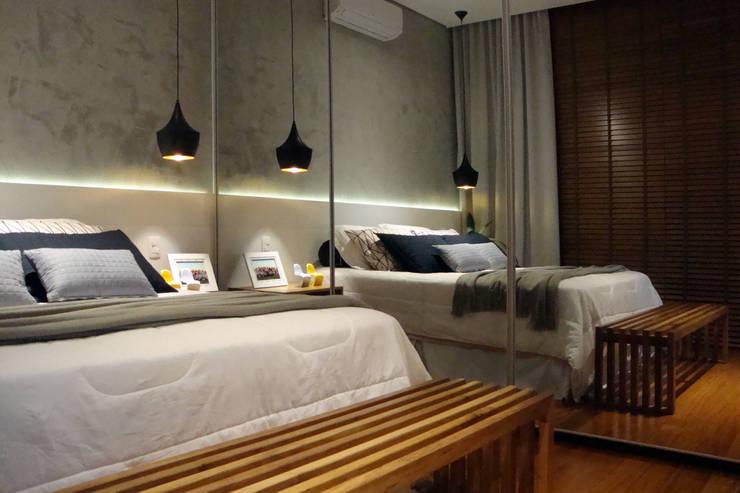 Suite: Quartos  por Henrique Lima Arquitetura e Interiores
