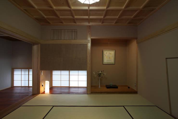 前原の家: AMI ENVIRONMENT DESIGN/アミ環境デザインが手掛けた和室です。