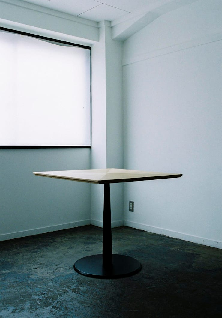 KICHI TABLE: ROIRO (ANGRAPH Co.,Ltd.)が手掛けたオフィス&店です。,