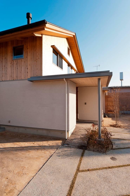 そ~ら~の家 日本家屋・アジアの家 の AMI ENVIRONMENT DESIGN/アミ環境デザイン 和風