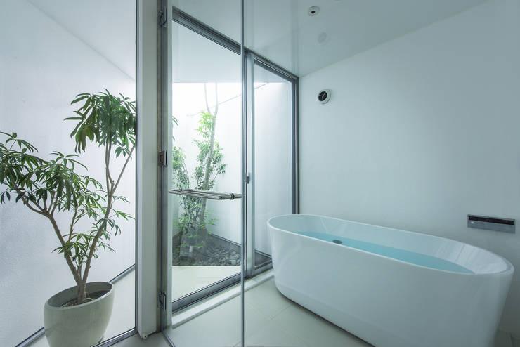 Bathroom by プラスアトリエ一級建築士事務所, Modern