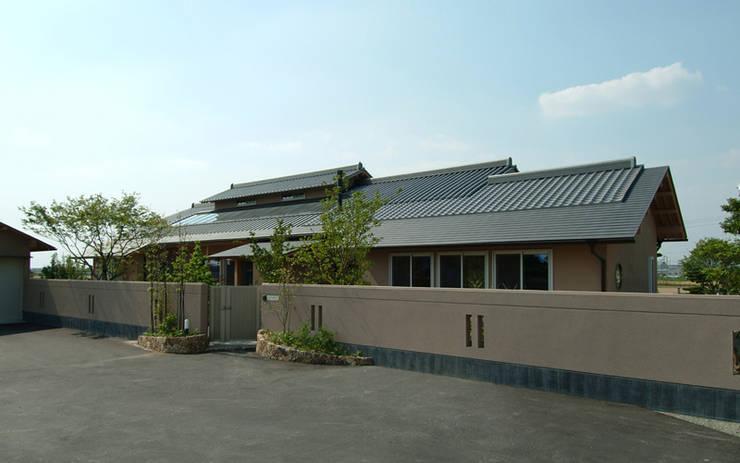 柳川の家: AMI ENVIRONMENT DESIGN/アミ環境デザインが手掛けた家です。,
