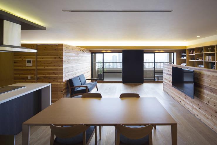 都島のマンションリフォーム: プラスアトリエ一級建築士事務所が手掛けたダイニングです。,