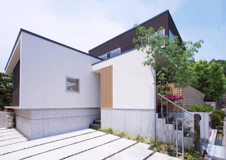 茶山の家  HOUSE IN CHAYAMA: プラスアトリエ一級建築士事務所が手掛けた家です。