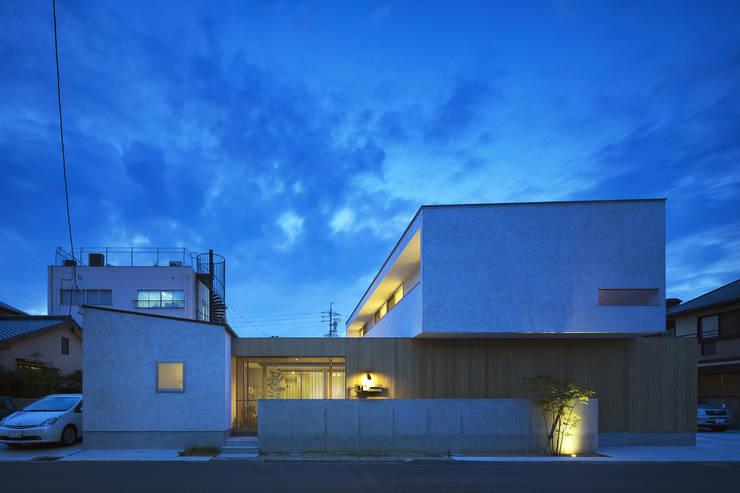 仲庭の家: プラスアトリエ一級建築士事務所が手掛けた家です。,