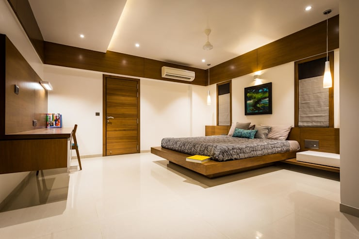Chandresh bhai interiors:  Bedroom by Vipul Patel Architects