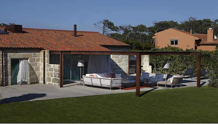 Casas de estilo moderno de Ana Lobo