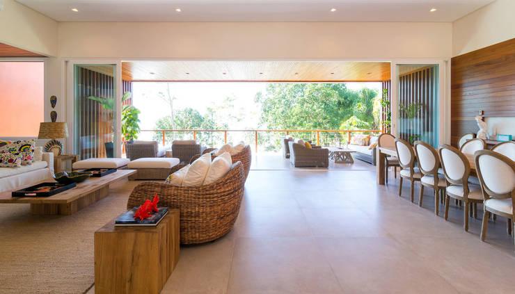 Projeto: Jardins  por Pitta - Arquitetura e Engenharia,