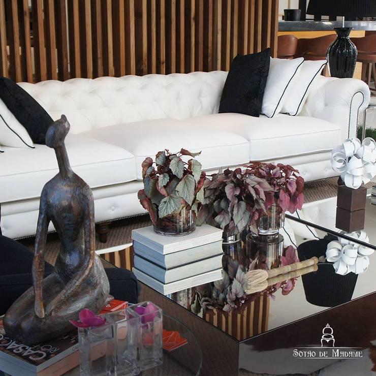 Móveis e Objetos Salas de estar clássicas por Sótão de Madame Objetos Clássico