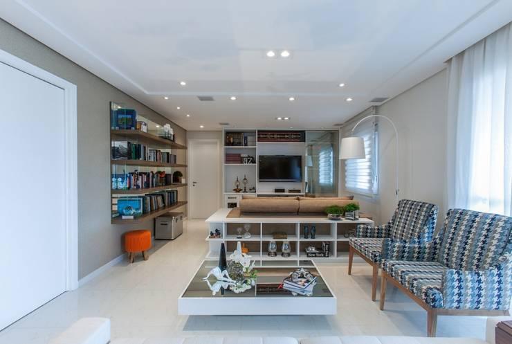 Apartamento - Campro Grande - São Paulo - SP: Salas de estar modernas por Studio LK Arquitetura e Interiores