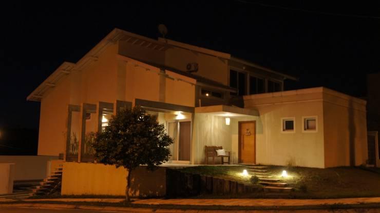 projeto: Casas  por Alessandra Ienne Arquitetura & Interiores,