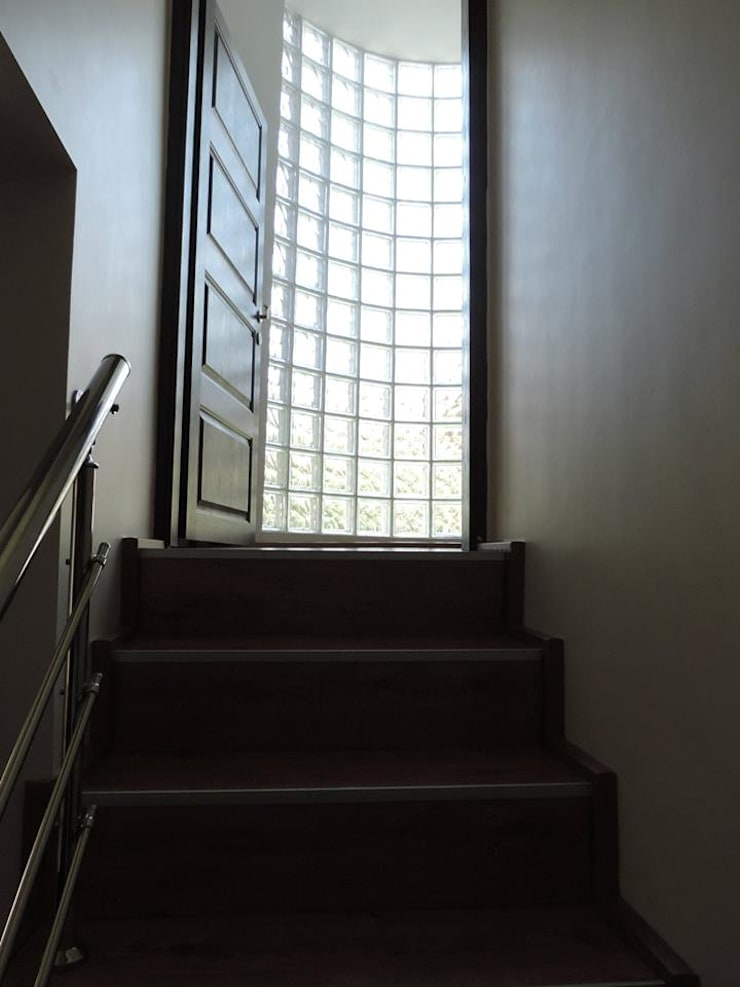 idiliçmimarlık – R. Kılınç Evi:  tarz Koridor ve Hol, Modern