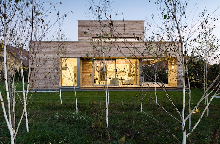 Cedar House: styl , w kategorii Dom z drewna zaprojektowany przez Fotografia Przemysław Turlej