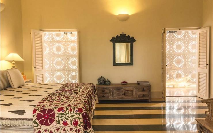 Villa Branco:  Dining room by Studio MoMo,Modern