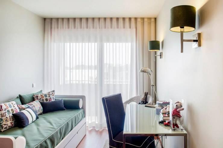 Apartamento na Boavista – Porto: Quartos  por Donavila