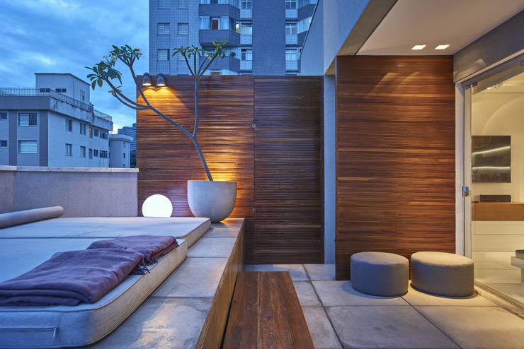 Apartamento | Cobertura: Terraços  por Piacesi Arquitetos,Moderno