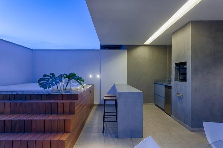 Apartamento | Cobertura : Terraços  por Piacesi Arquitetos
