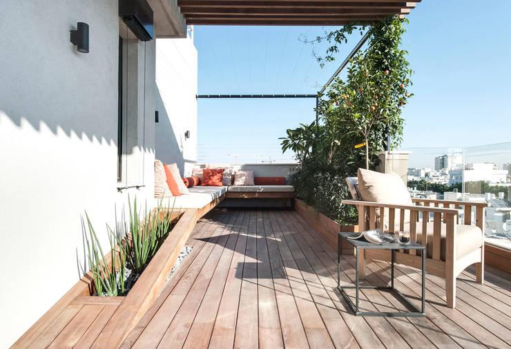 بلكونة أو شرفة تنفيذ toledano + architects