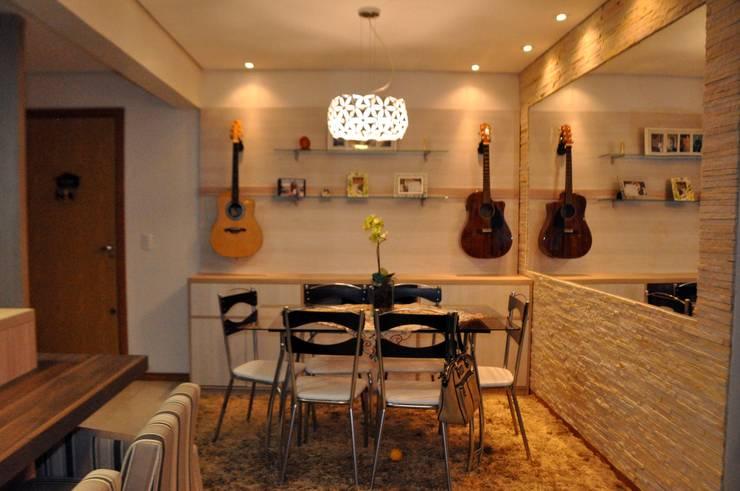 Apartamento Casal T&R: Sala de jantar  por Áurea Arquitetura e Design