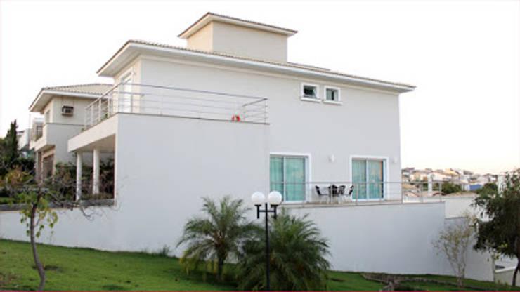 projetos: Casas  por EDUARDO BARROSO ARQUITETURA,