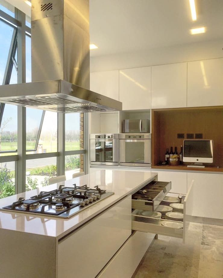 Casa ANV Cocinas modernas: Ideas, imágenes y decoración de Israel & Teper arquitectos Moderno