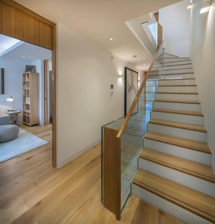 Argyll Place - Hallway:  Corridor & hallway by Jigsaw Interior Architecture