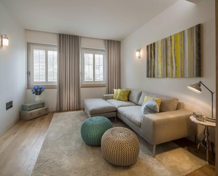 Argyll Place - Snug:  Media room by Jigsaw Interior Architecture