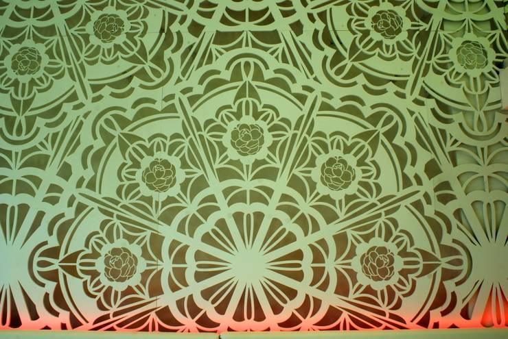 ARQ. CLAUDIA VIALLE CARAMORI: Espaços comerciais  por BRAESCHER FOTOGRAFIA,Moderno